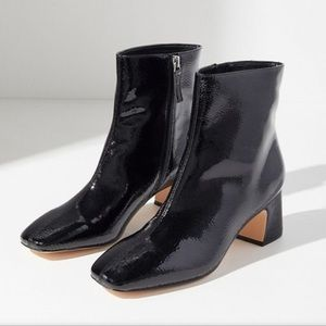 ⭐️HOST PICK⭐️ Urban Outfitters Kate Femme Boot